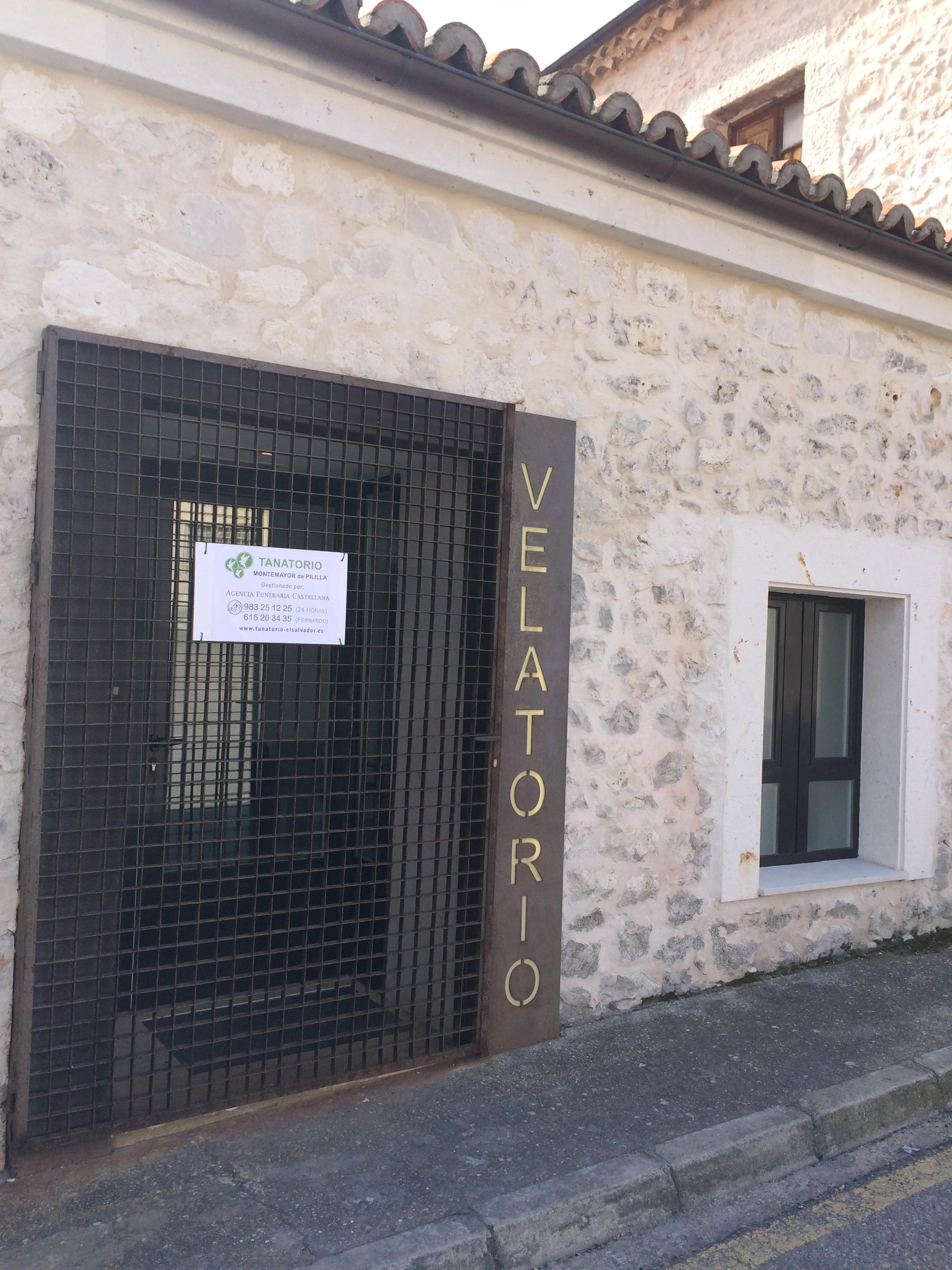 Empresa funeraria montemayor de pililla grup el salvador for Horario oficinas caja duero